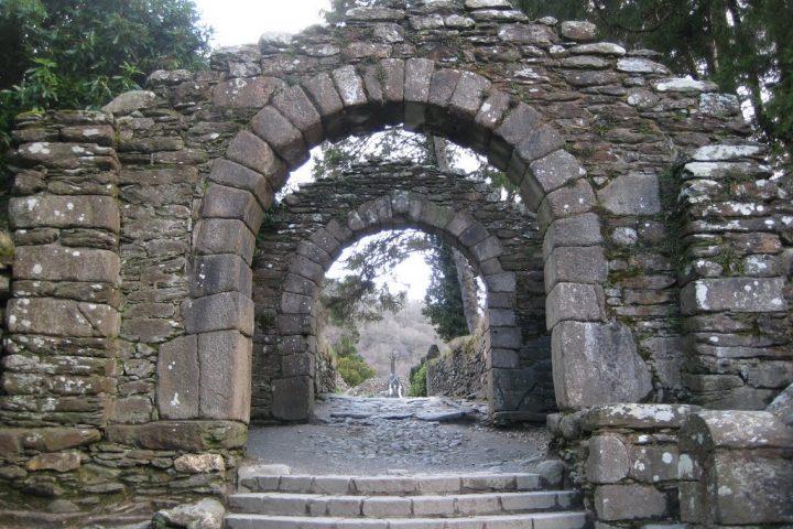 glendalough-gateway-to-the-monastic-city